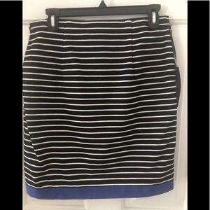 Women's size4 Willii  Smith stretchy skirt